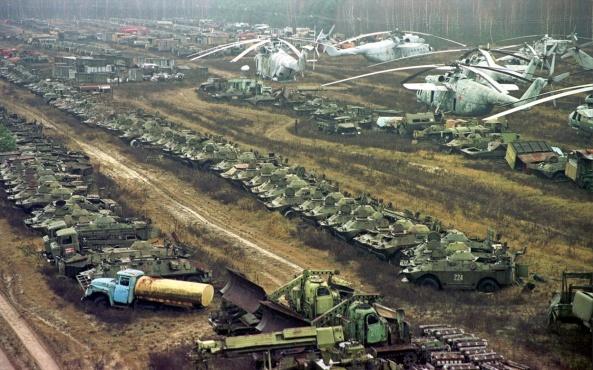 Tchernobyl-cimetierre de véhicules